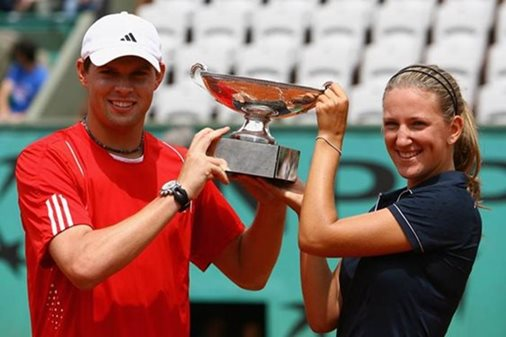 Azarenka Joins Bryan Brothers at Annual V-Grid Tennis Fest