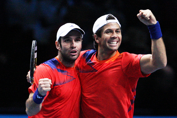 Spaniards Power Past Bryan Brothers in London Doubles Final