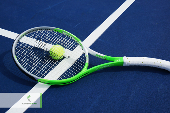 Curvstar Racquet Introduces Ergonomics to Tennis