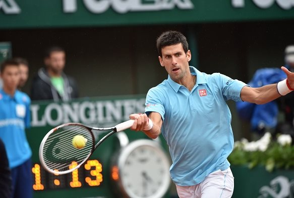 Ruthless Djokovic Quiets Crowd in Romp Over Tsonga