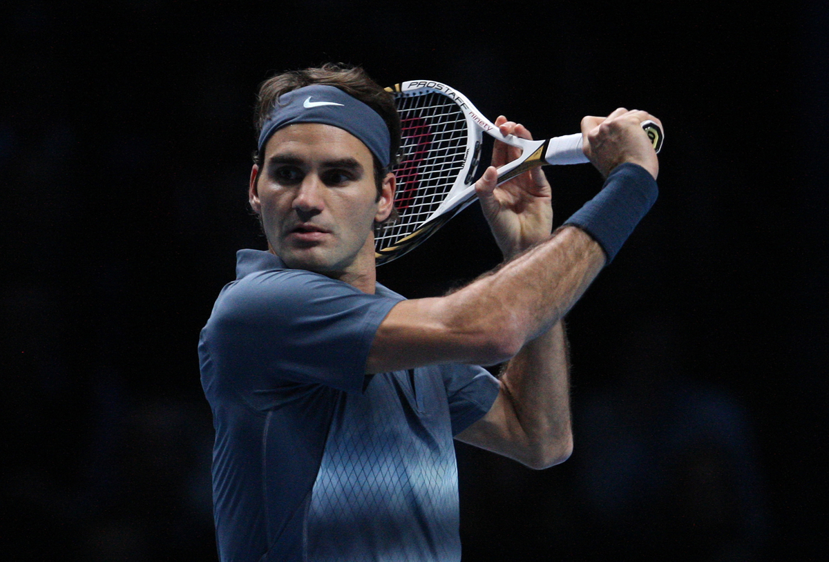 Federer Defeats Del Potro; Sets Up Semi Showdown with Nadal in London.
