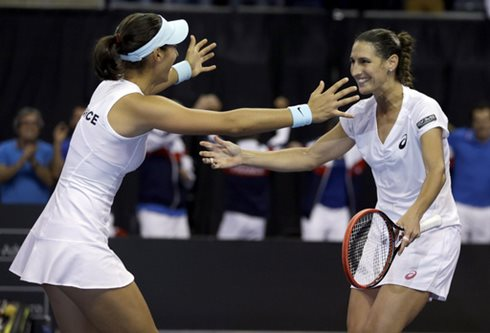 France Clinches Doubles to Win Fed Cup Tie Versus U.S.