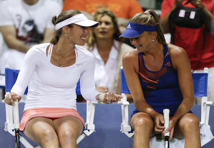 Hingis Wins Comeback WTA Doubles Opener in Carlsbad