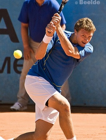 Denis Istomin strikes a backhand at the 2011 Open de Nice.