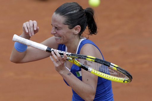 Vinci Survives as Italy Takes Early Lead in Fed Cup Finals