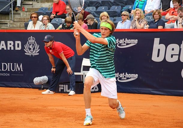 17-Year-Old Zverev Records First Main Draw Win in Hamburg