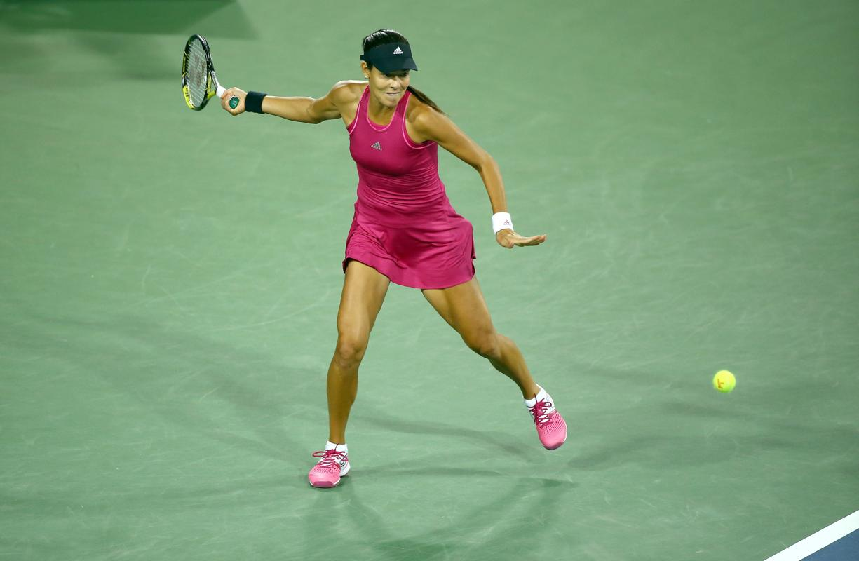 Video: Ivanovic Rips Dazzling Forehand Past Sharapova in Cincy