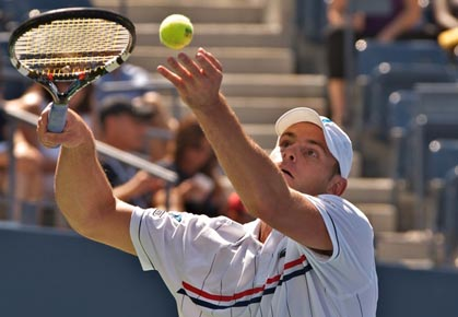 Andy Roddick wins his first round at 2012 US Open