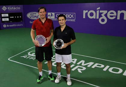 Thomas Enqvist beats Fabrice Santoro in the final of the Grand Champions Rio