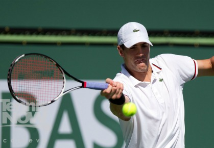 Isner Over Alves; Gives U.S. 2-0 Lead in Davis Cup
