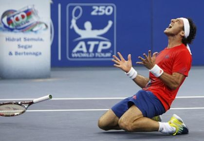 Juan Monaco beats Julien Benneteau to win Malaysian Open 2012