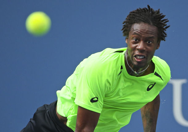 Monfils Survives Swelter, Tantrum to Down Dimitrov