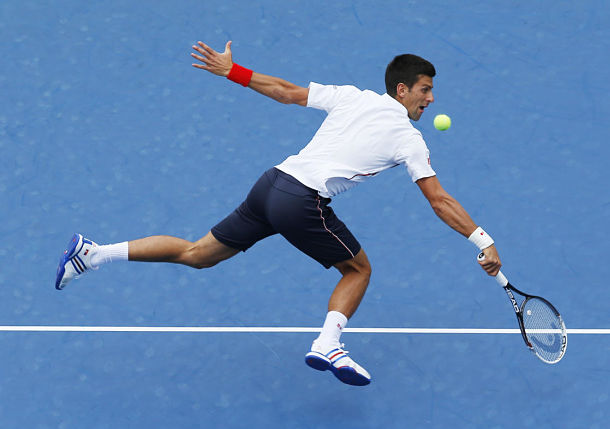 Djokovic Unfazed By Querrey's Big Serves in Blowout