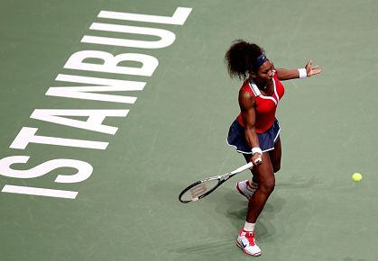 Serena Williams Pummels Agnieszka Radwanska in Istanbul semi