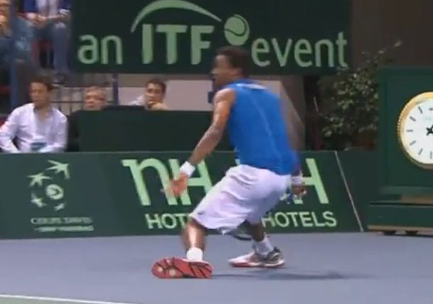 Video: Monfils Hits Wicked, Sliding Forehand in Decisive Davis Cup Rubber