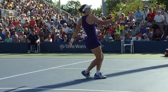 Video: Stosur Takes Framing to a New Level on Bizarre Play