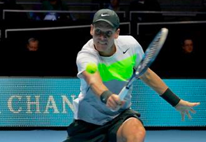 Tomas Berdych beats Jo-Wilfried Tsonga in London