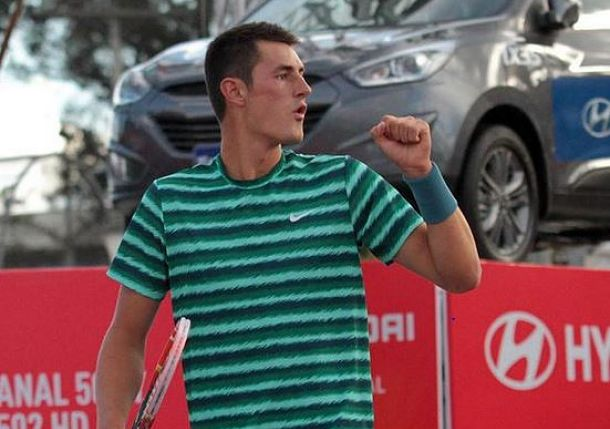 Bernard Tomic Wins Battle of Young vs. Old in Bogota