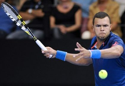 Jo-Wilfried Tsonga defends his Moselle Open title