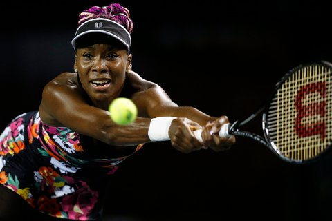 Venus Williams Reaches Tokyo Quarterfinals With Win Over Simona Halep