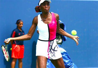 Venus Williams beats Sam Stosur