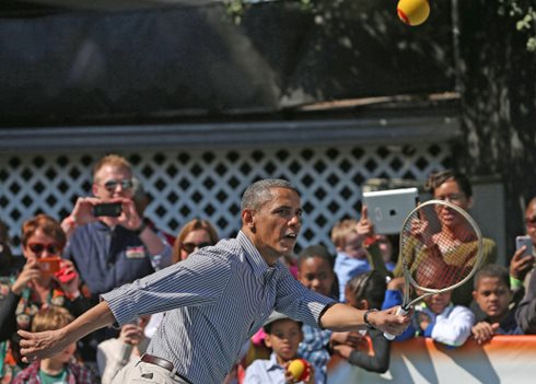 President Obama shows off tennis game at White House Easter Egg Roll