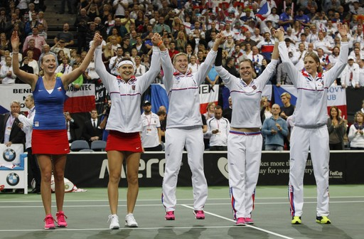 Kvitova Clinches Fed Cup Title Over Kerber in Dramatic Finale