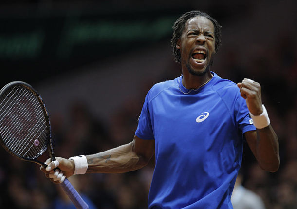 Monfils Brings French to Life with Rout of Federer