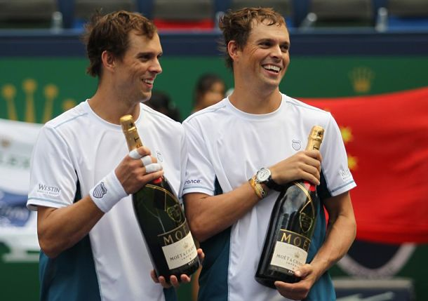 Bryan Brothers Crack Open More Milestones in Shanghai