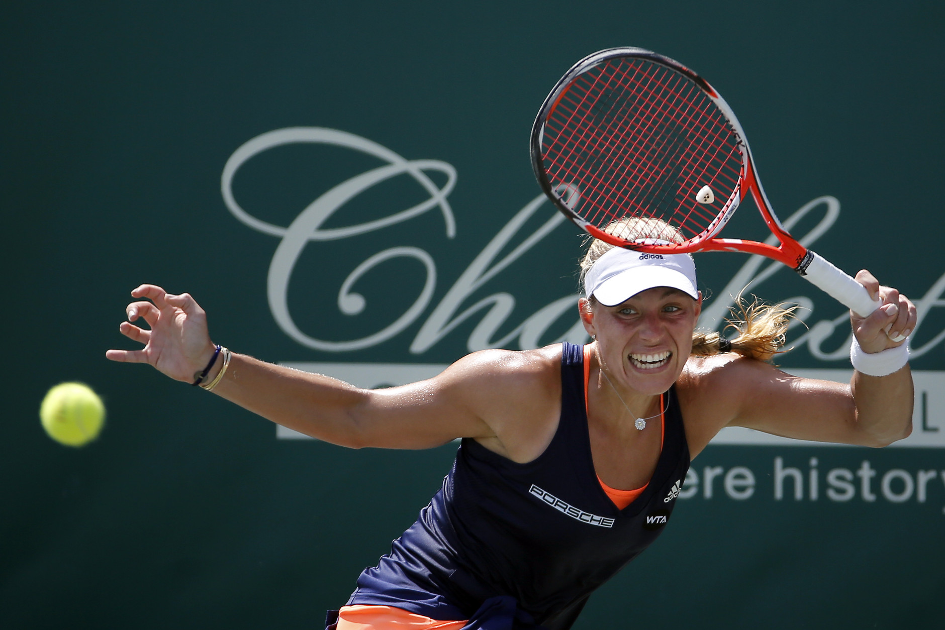 Kerber Wins Charleston in Thrilling Final Versus Keys