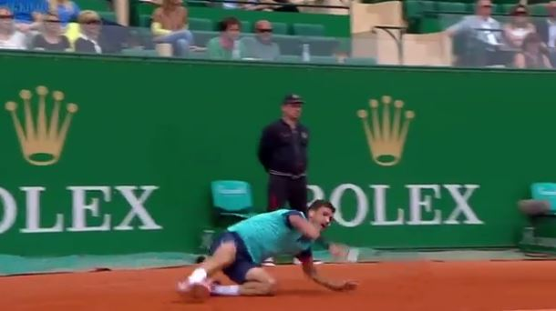 Video: Dimitrov Slips, Slides and Sparkles