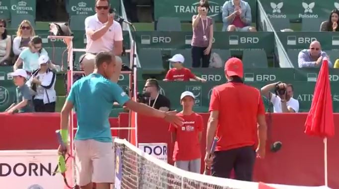 Another Non-Handshake: Rosol and Garcia-Lopez in Bucharest