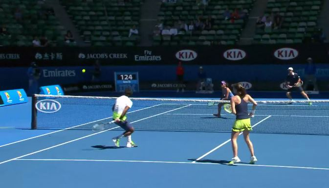 Video: Leander Paes Makes Mind-Blowing Behind-the-Back Volley in Mixed Dubs Semis