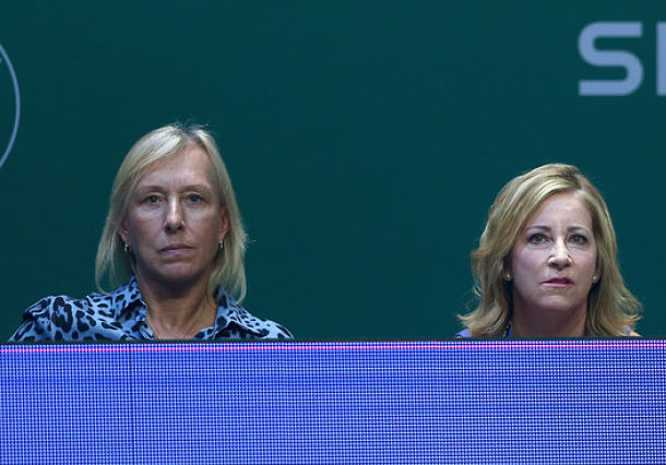 Navratilova: Lack of Off-Season Contributed to Federer's Loss