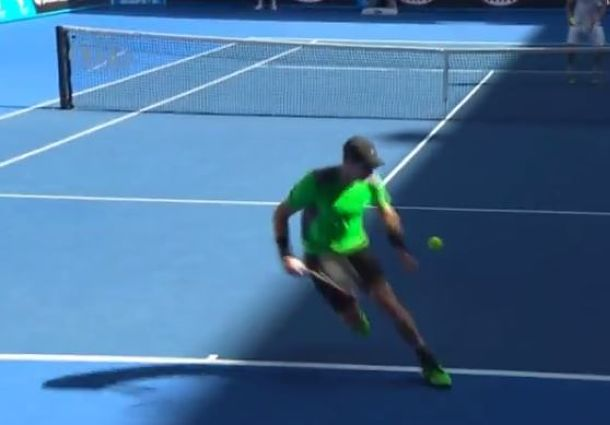 Video: Murray's 'Tweener vs. Joao Sousa