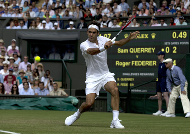 Federer Defuses Querrey with Dazzle to Reach Wimbledon Third Round