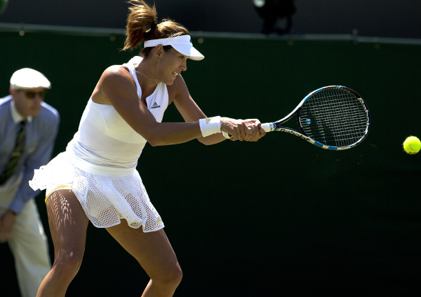 Video: Muguruza Makes Splash