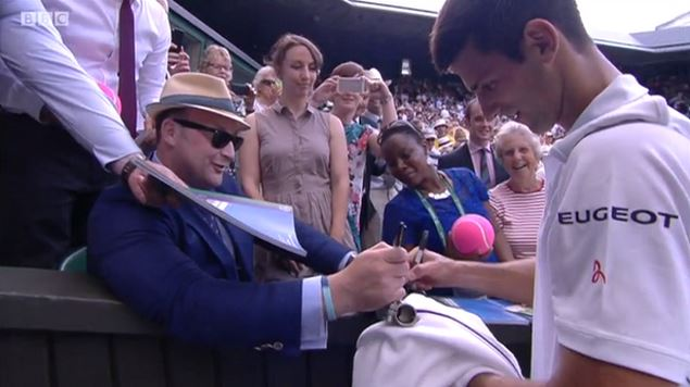 Djokovic Wins Easily then Signs Fans' Prosthetic Leg on Centre Cour