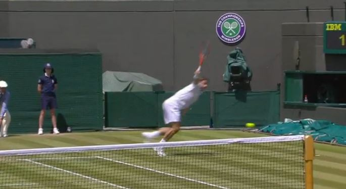 Video: Wawrinka Goes Around the Net Post
