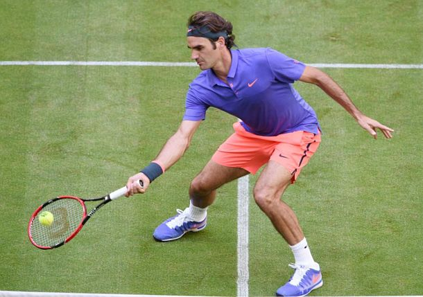 Federer Cruises into Halle Quarterfinal with Win over Gulbis
