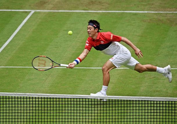 Nishikori Downs Thiem in Straight Sets in Halle