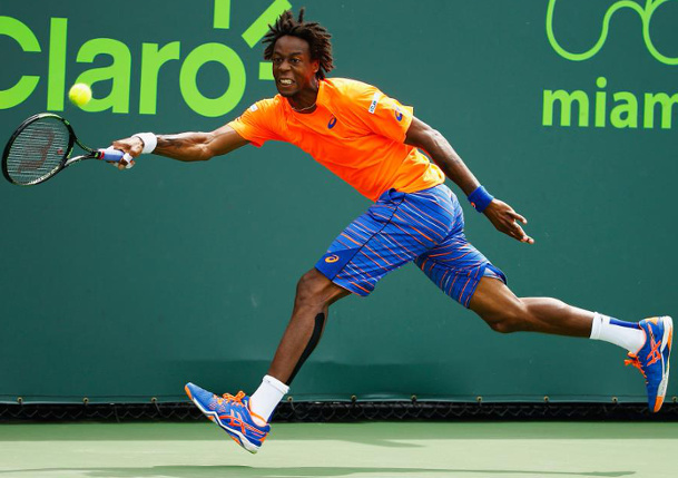Berdych Moves On as Monfils Retires with Hip Injury
