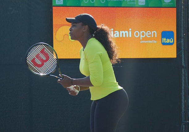 Serena Practices, Talks Knee Injury and Plans To Play Miami Open
