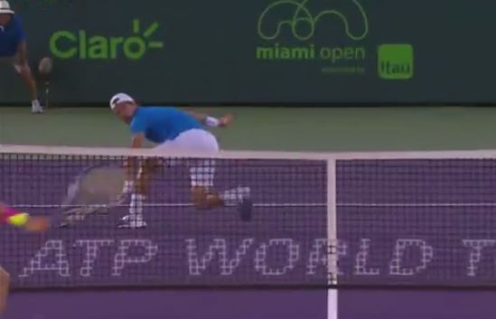 Video: Melzer's Lightning-Quick Hands Foil Harrison in Miami