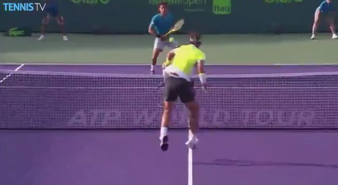 Video: Almagro Can't Break Rafa Down