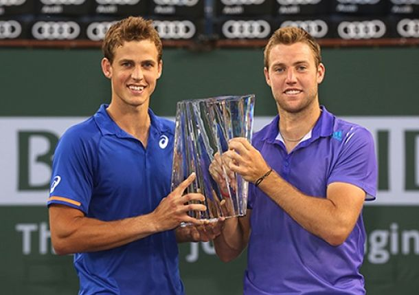 Vine: Announcer Botches Vasek Pospisil's Name During Ceremony