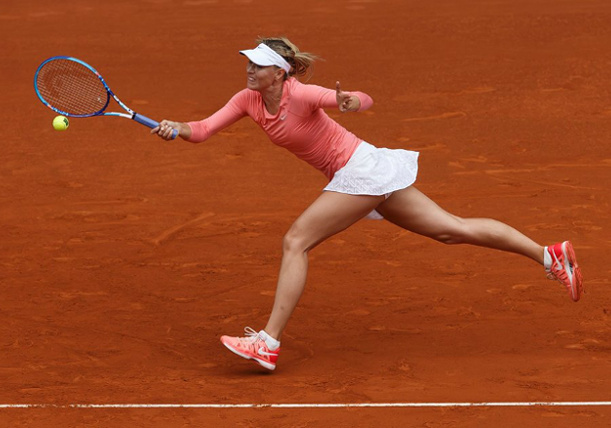 Sharapova Subdues Garcia to Reach Madrid Quarterfinals