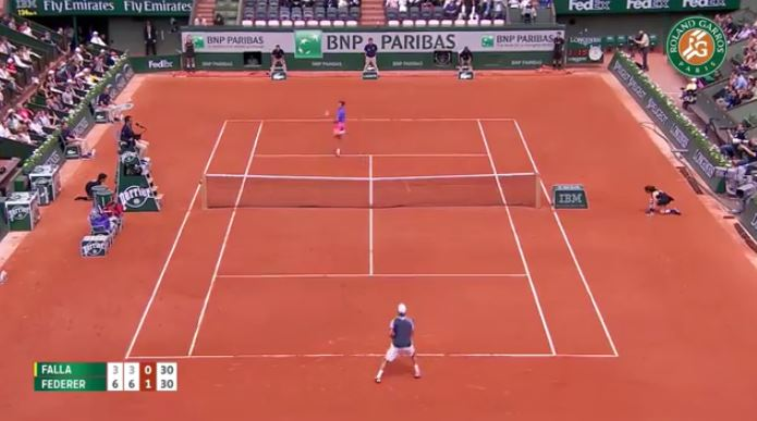 Video: Fed's Sky Hook vs Falla