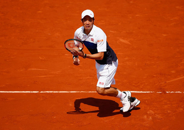 Nishikori Keeps Pace by Easing Past Bellucci in Second-Rounder