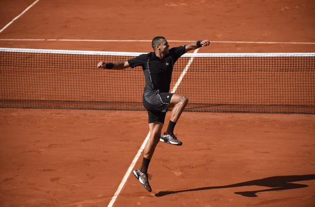 Video: Tsonga and Sela Forget What Sport They're Playing